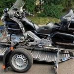 Remolque de moto UNO con Goldwing 2